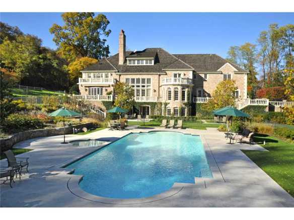 516 North Street, $8.5M, now has deal. Listing broker Sally Maloney, Greenwich Fine Properties. I prefer older houses, but this one was simply sensational. Everything you could ever want in a mansion.