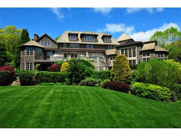 "16 Hurlingham Drive, $12.950M, in Greenwich's ""Conyers Farm"", has deal. List:: Joseph Barbieri. Sell: Shelly Tretter Lynch"