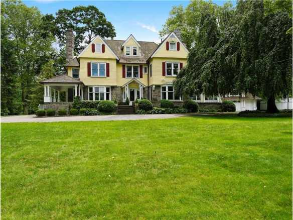26 North Street fetches $4.275M, and sorry, demolition guy, this one's being saved. List: Linda Michonski Sell: Debby Gardiner