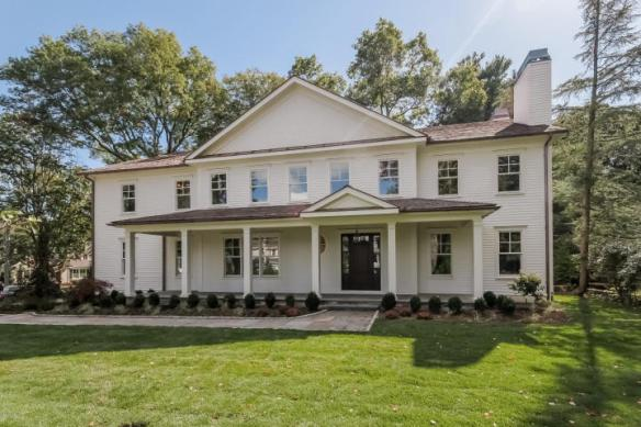 25 Lockwood Avenue, Old Greenwich. Asked $4.195M, attracted multiple bids and closed December 30th for $4,150,000.