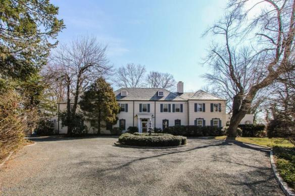 107 Meadow Road, just listed by broker Monie Sullivan, for $6.995M, but there's a catch!