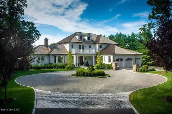 82 Doubling Road, Greenwich, came on this week for $5,995,000. Gideon predicts a quick sale...we shall see, shan't we? Listed by: Leslie McElwreath