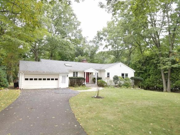 22 Mimosa Drive, Cos Cob: everybody wants!